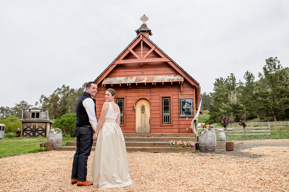 the little read chapel that held the couples wedding ceremony
