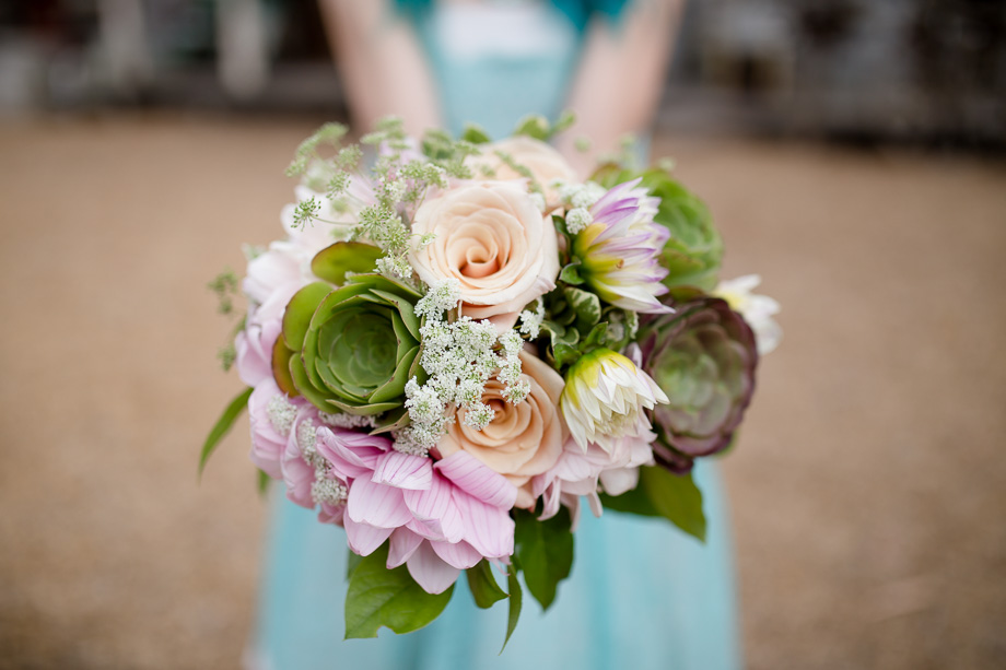 gorgeous rose and succulents bouquet for a blue wedding