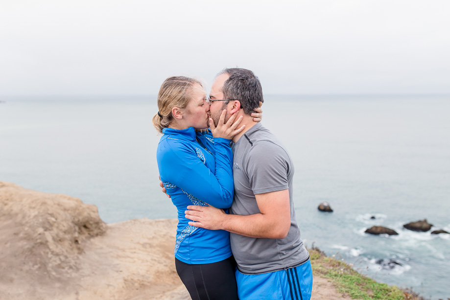 surprise proposal photography by the pacific ocean