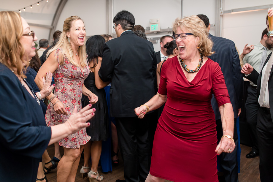 wedding guests owning the dancing floor
