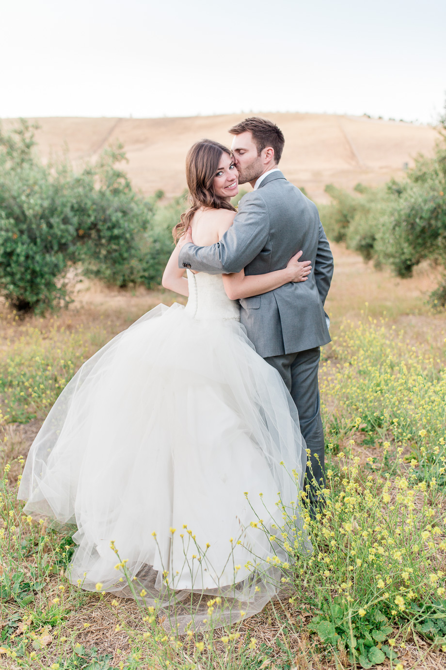 beautiful outdoor vinyard wedding portrait at purple orchid resort and spa in Livermore