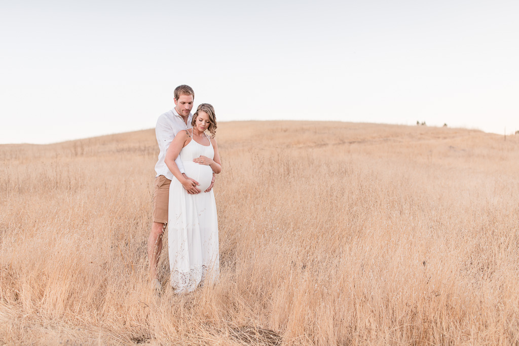 soft and romantic outdoor maternity photo - san francisco portrait photographer