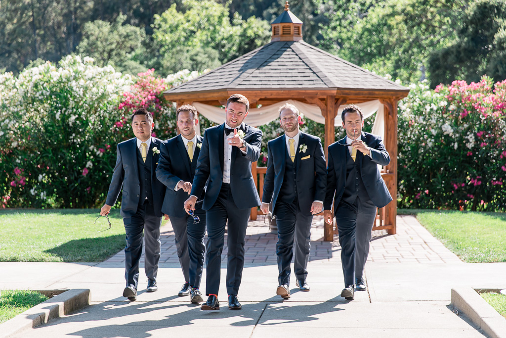 fun photo for the groom and his groomsmen