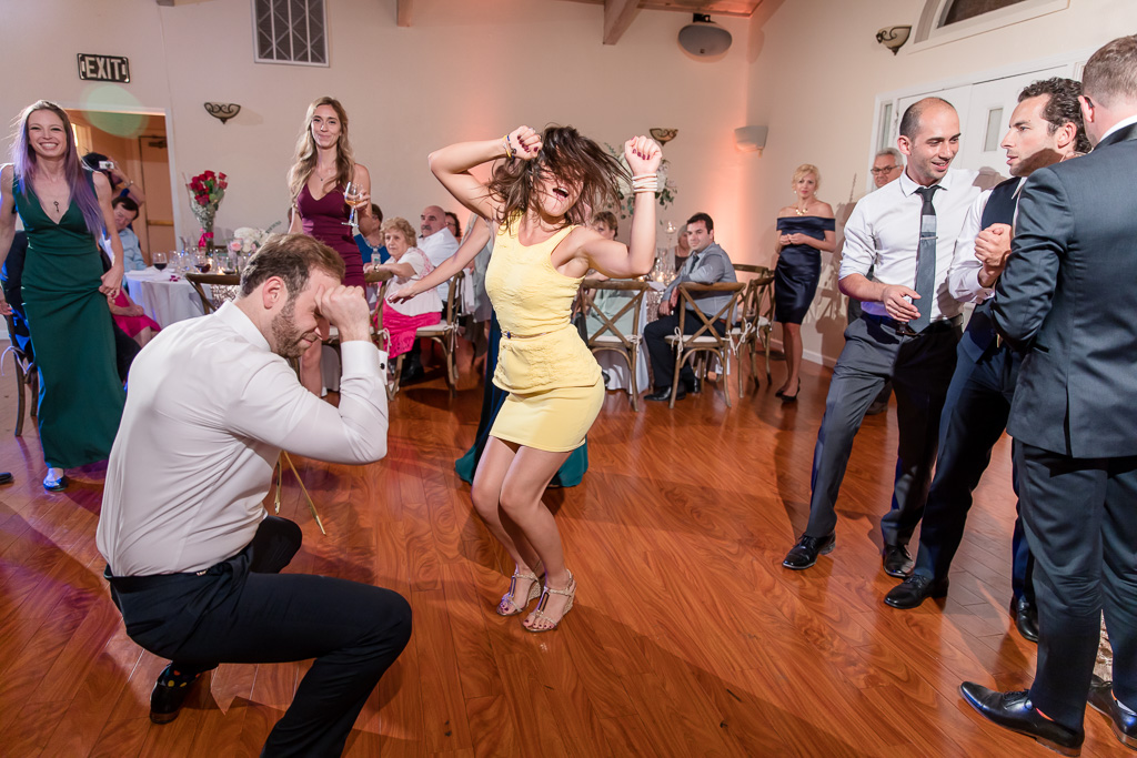 wedding guests epic dance moves