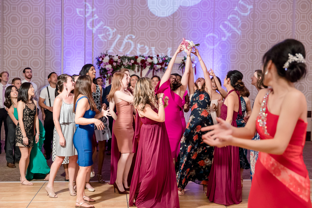 single ladies fighting for the bouquet