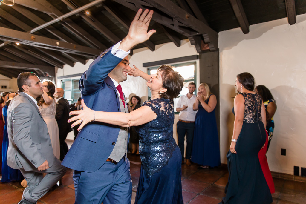 groom dancing with his mother