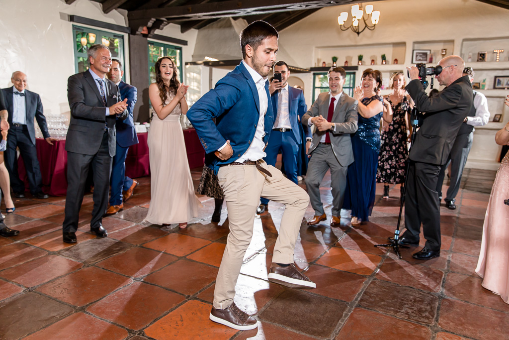 wedding guests owning the dance floor