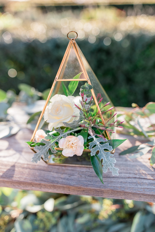 fresh flowers here and there made this los gatos wedding extra romantic