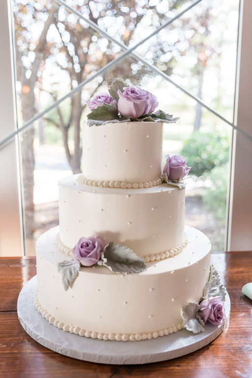 classic and timeless wedding cake