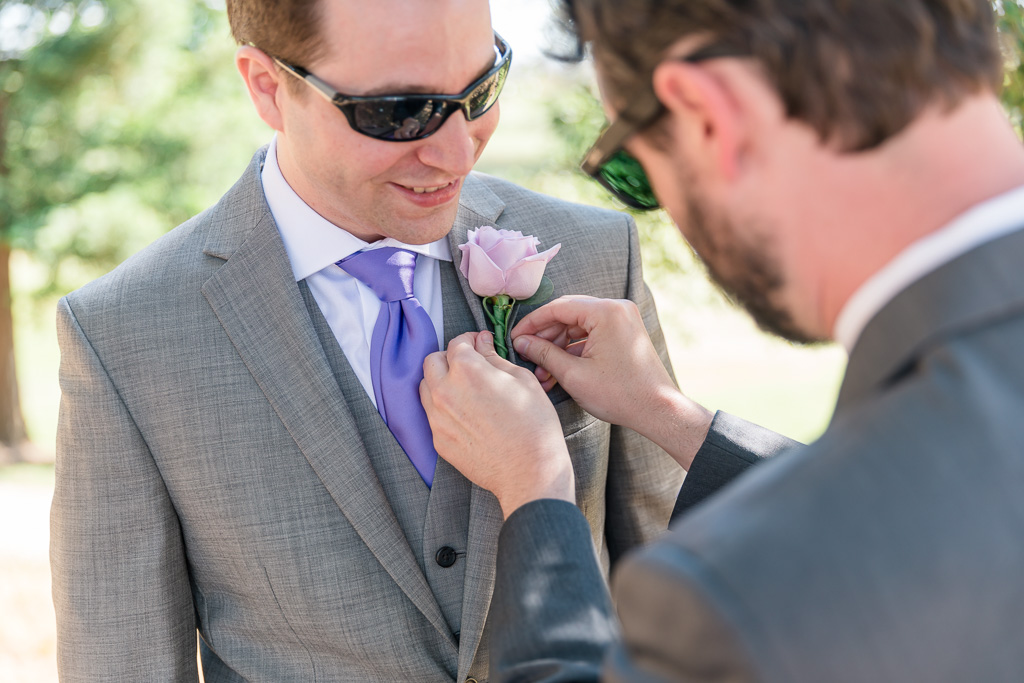 pinning the boutonniere