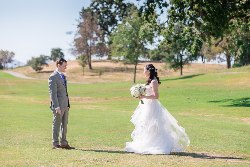a sweet first look in a Napa golf course