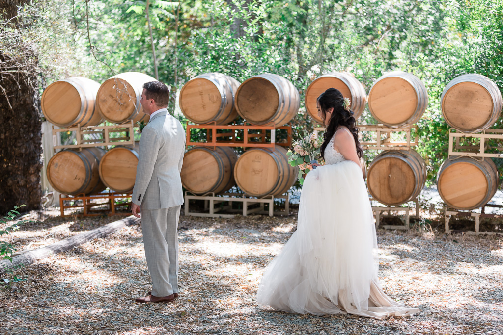 a cute first look by the big barrels