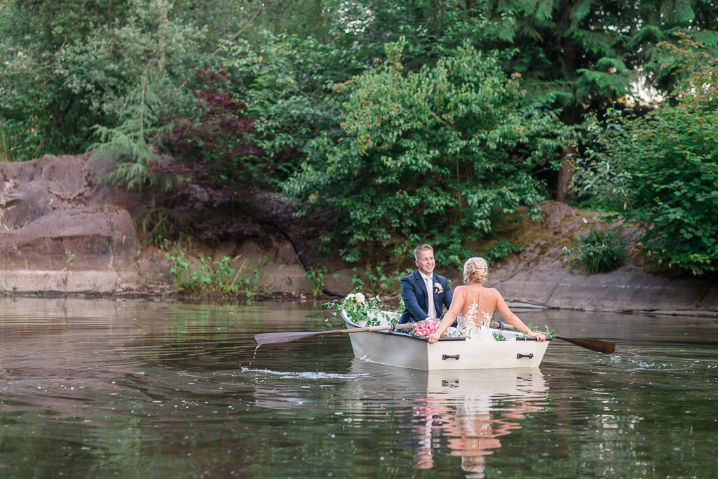 rock creek gardens rowboat wedding photo