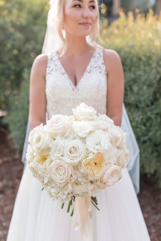 bride and her classic bridal bouquet