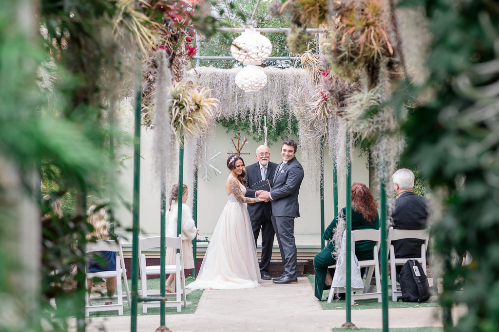 tiny elopement at Shelldance Orchid Gardens