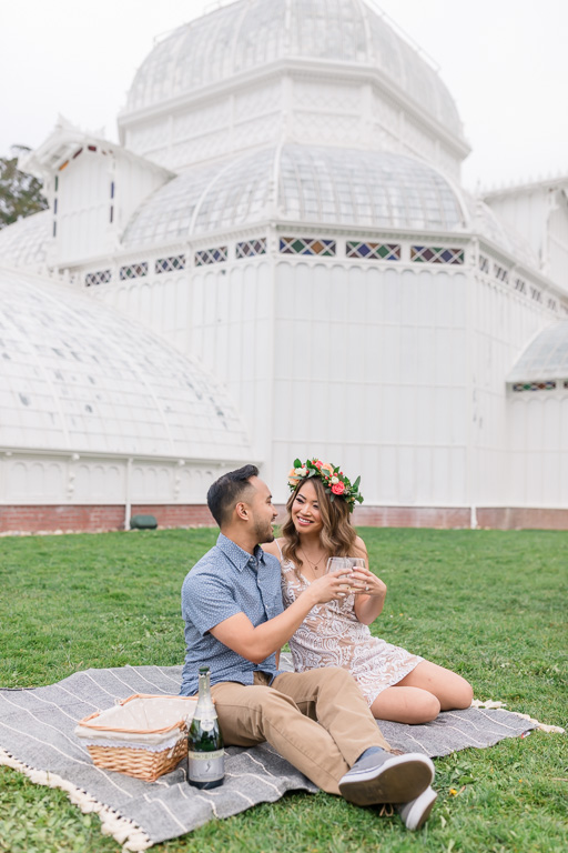conservatory of flowers picnic engagement picture