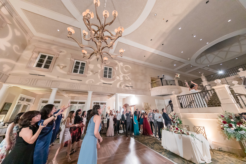 bouquet toss from above