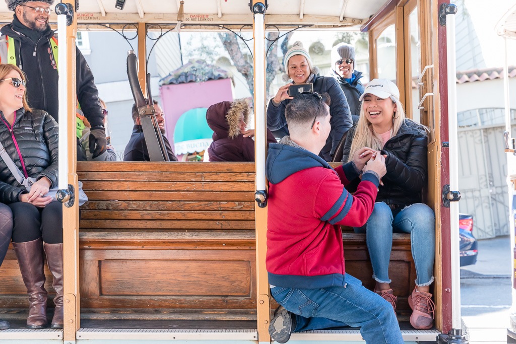 surprise proposal on the Powell and Hyde cable car
