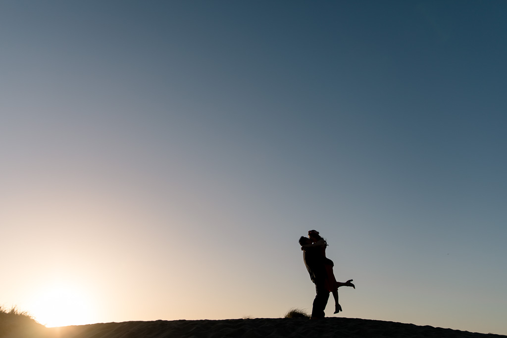 dramatic silhouette photo for a SF engagement session