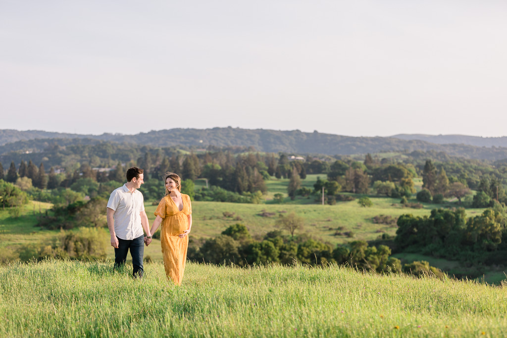 maternity photos in the Stanford hills