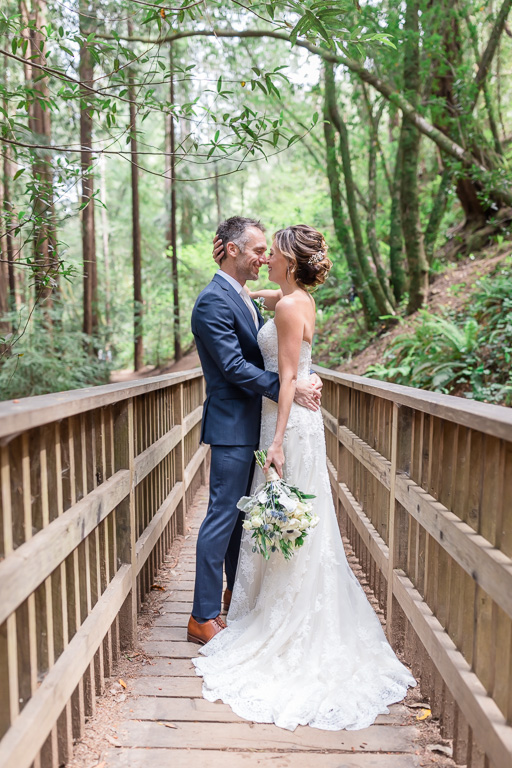 wedding photo on Mill Valley hiking trail
