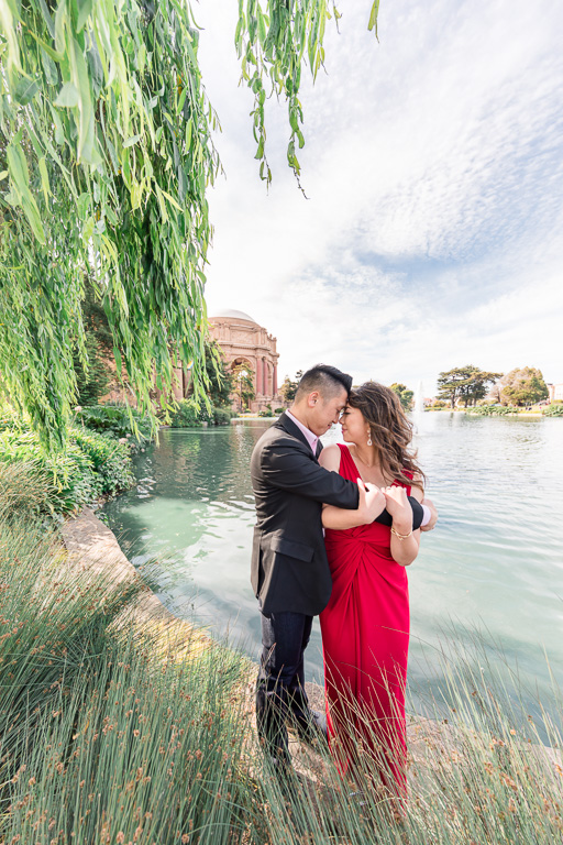 Sam Francisco Palace of Fine Arts romantic engagement portrait