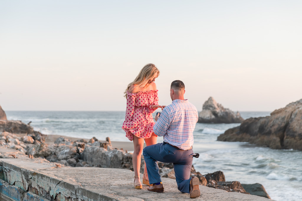San Francisco surprise proposal by the Pacific Ocean