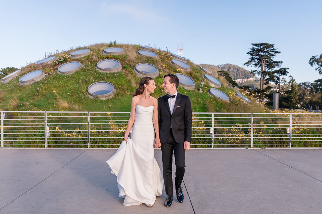 wedding photo on top of California Academy of Sciences