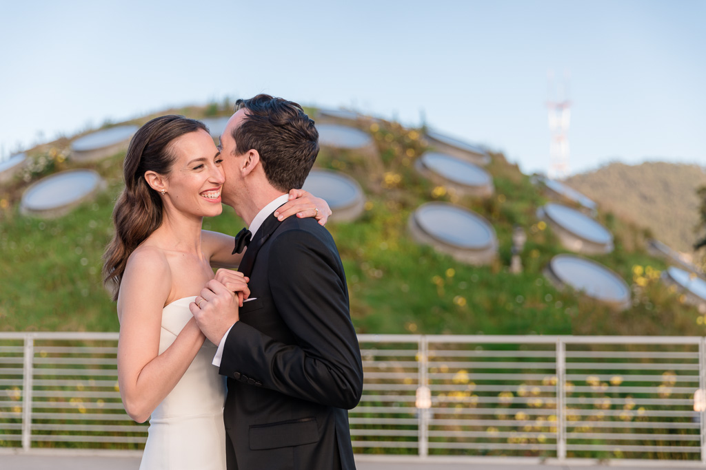San Francisco unique wedding photo location
