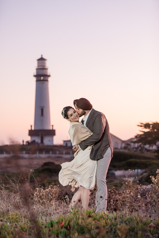 kissing in front of the famous lighthouse