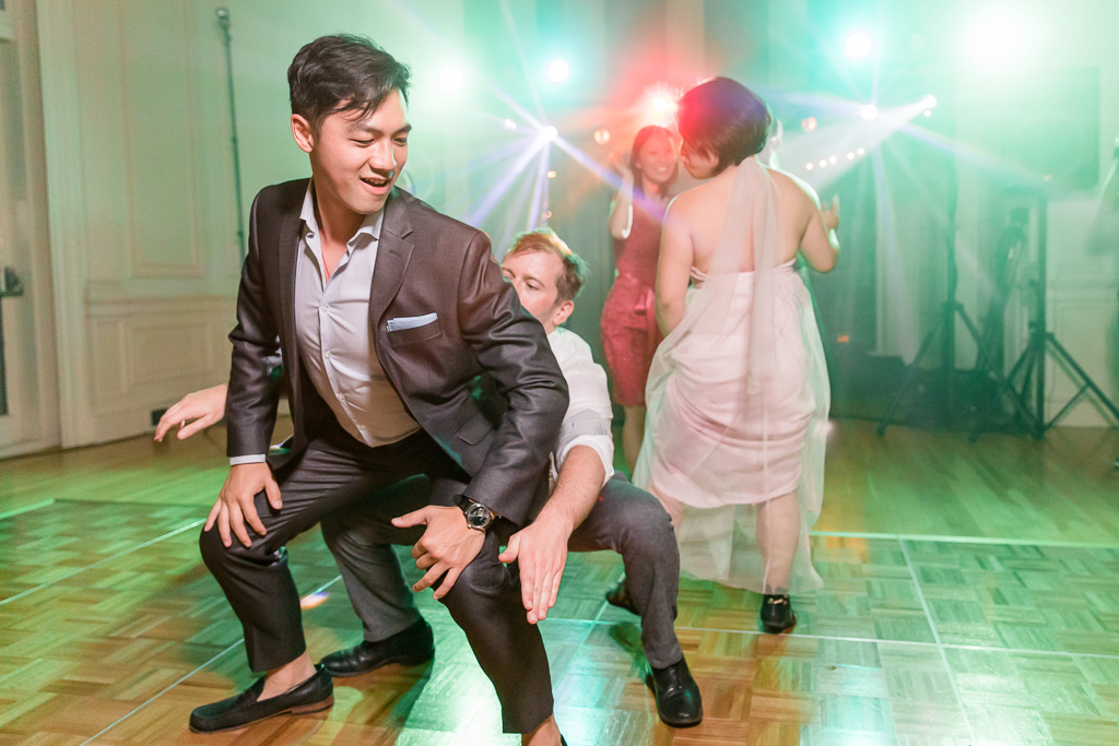 hilarious wedding guests dancing