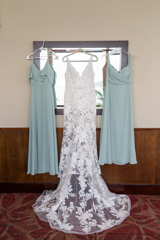 bridal dress with mint bridesmaid dresses