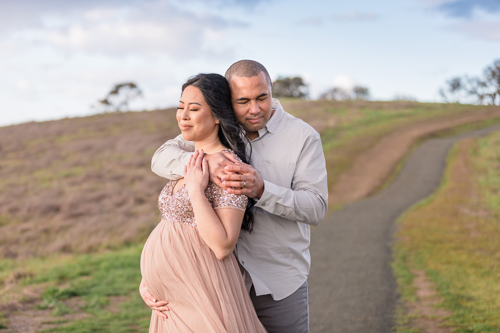 romantic maternity photos taken in South Bay