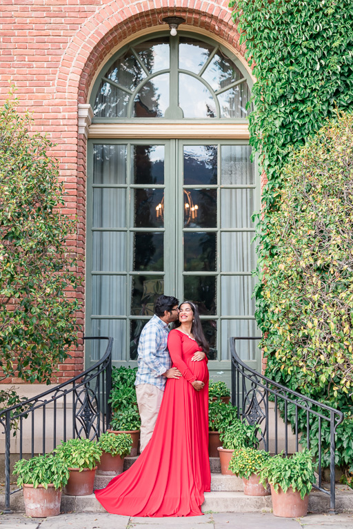 pregnancy photos at the Filoli Historic House