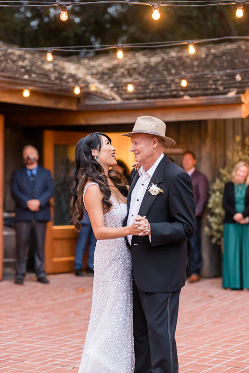 a sweet father daughter dance